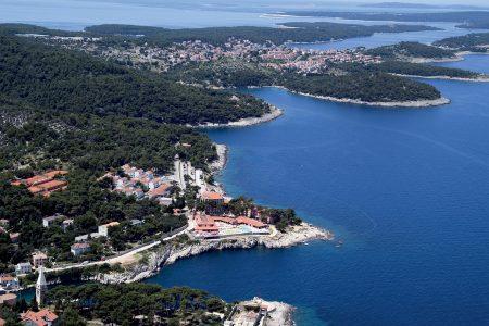 Sonne Und Sommer Genießen Auf Der Grünen Insel Lošinj
