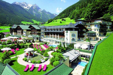Hotel Stock – Stilvolles Ambiente  Und Alpines Lifestylegefühl