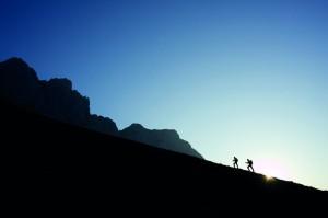 Das frühe Aufstehen lohnt sich bei einem Frühstück am Berg (Quelle: Österreichs Wanderdörfer)morgenfrischen Wanderung......