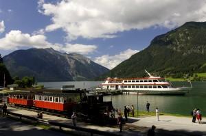 Von der Nostalgie Dampf-Zahnradbahn Europas direkt aufs Achensee-Schiff