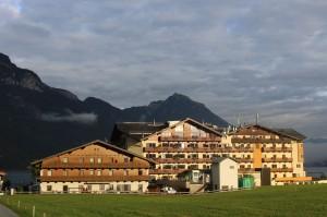 Hotel Post am See-wo Berge und See aufeinandertreffen.