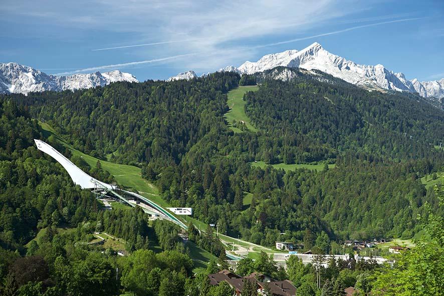 Die Neue Schanze In Garmisch-Partenkirchen. Foto © Markt Garmisch-Partenkirchen