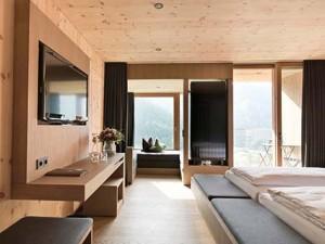 großzügige und luxuriöse Zimmer bieten Raum für Entspannung