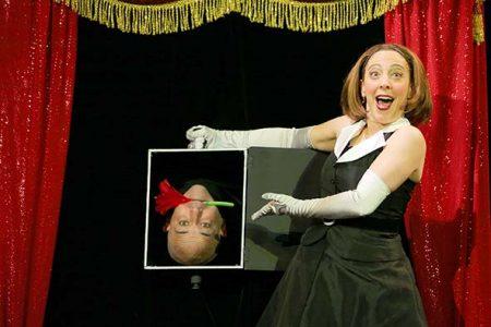 """""""Wundertüte"""" – Eine Show Im GOP Varieté-Theater In München"""