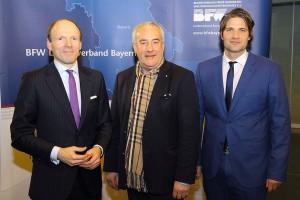 Der Präsident des BFW Landesverband Bayern e. V. Andreas Eisele gemeinsam mit Dr. Spaenle MdL und Dr. Thomas Geppert Geschäftsführer des BFW Landesverband Bayern e. V.
